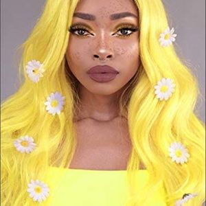 "💫EVET 26"" YELLOW CURLY LACE FRONT WIG💫 *NWT* 🆕"